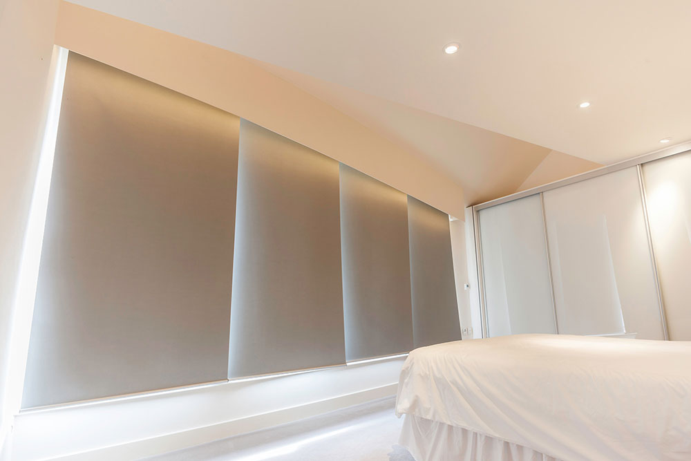 Buy Silent Gliss 4960 - Mains Electric Rollerblind